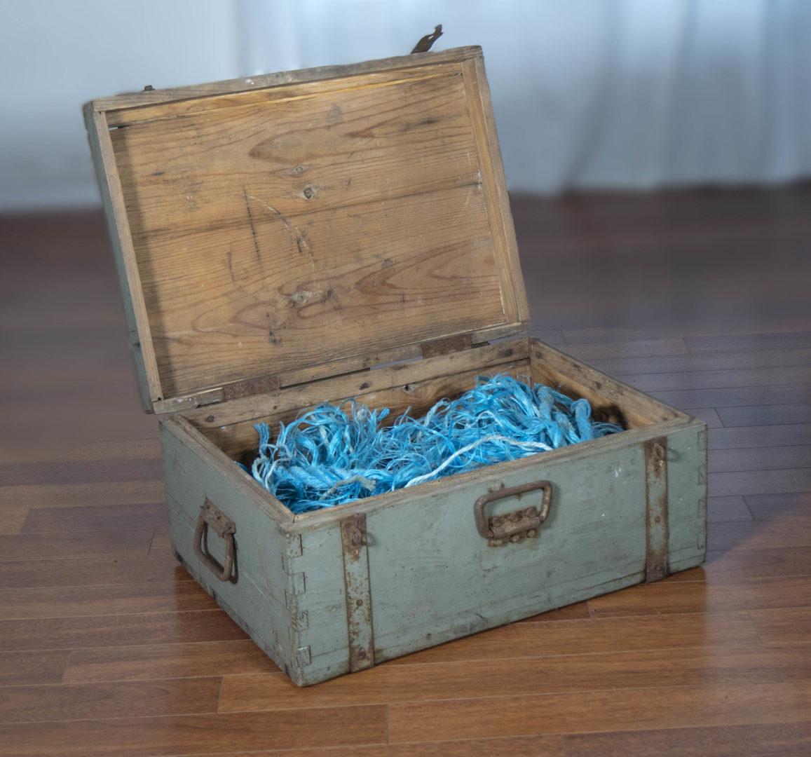 Châsse au trésor - Coffre en bois et métal et cordages